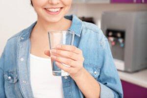 Entenda porque a troca de refil do purificador de água é tão importante